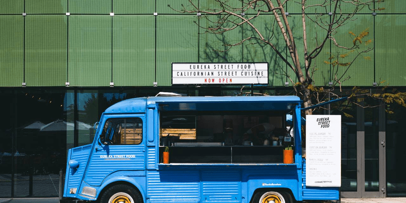 tips for designing the most engaging menu board for your food truck